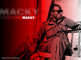 Macky 2 – Why Am Hot